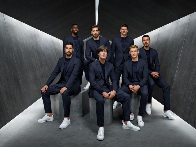 Sz Offizielles Outfit Wm Fußballnationalmannschaft Der Magazin LzpqVSGUM