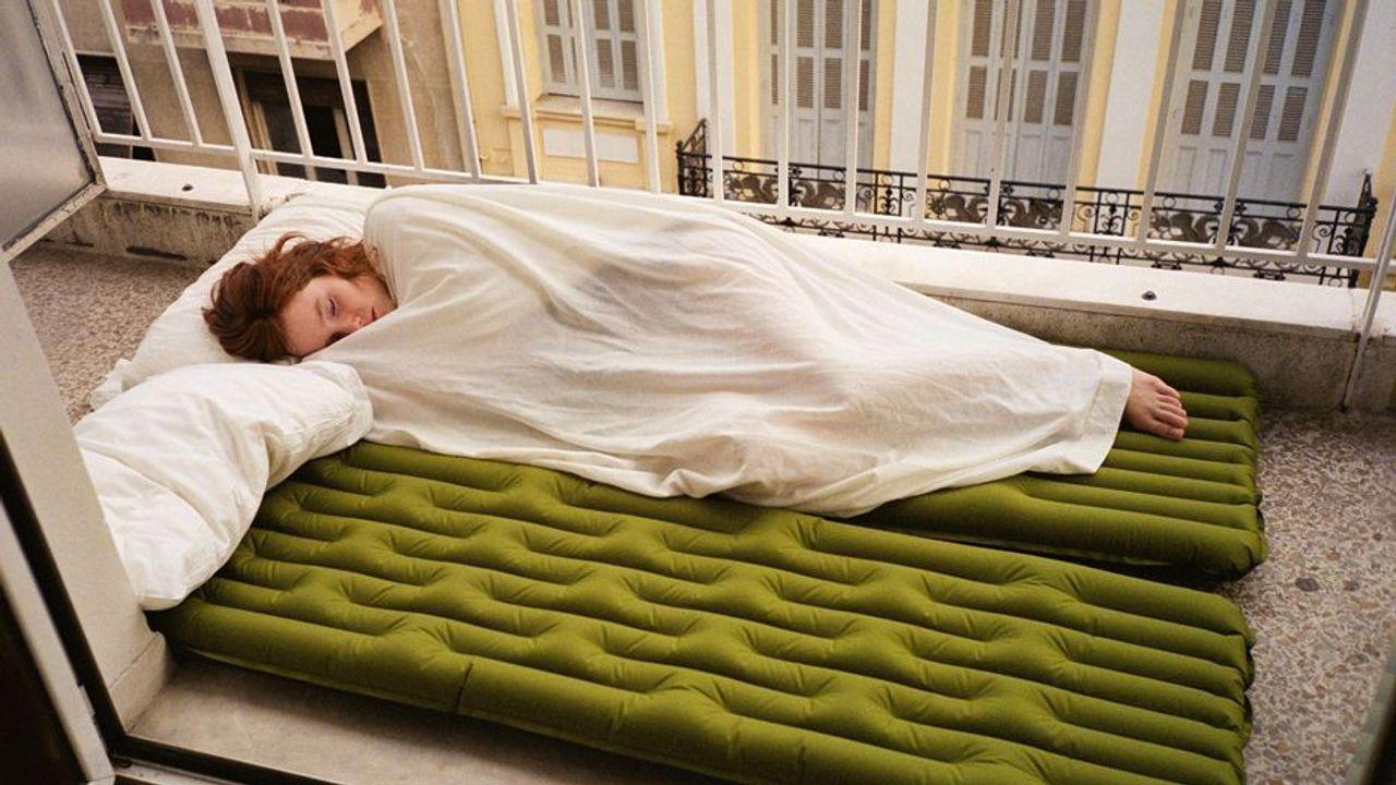 auf dem balkon schlafen s ddeutsche zeitung magazin. Black Bedroom Furniture Sets. Home Design Ideas