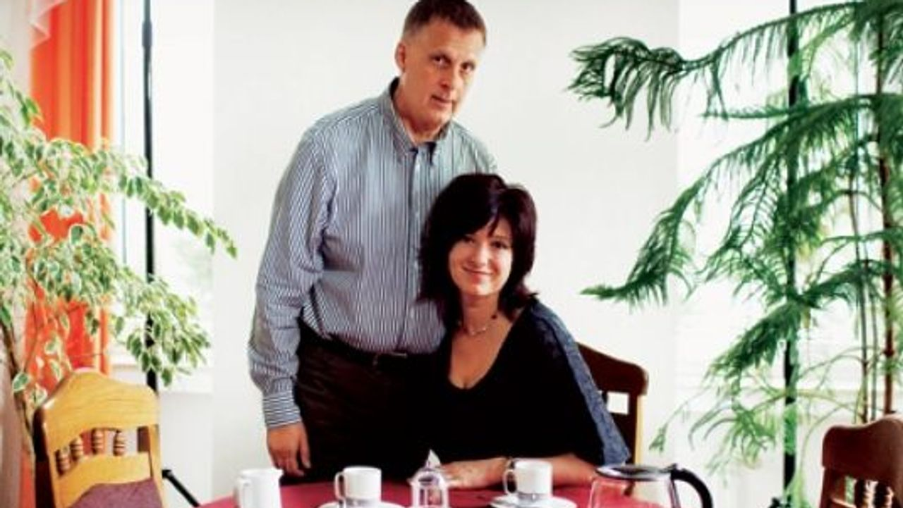 Partnervermittlung in L.A. - Schn sucht Reich - zarell.com